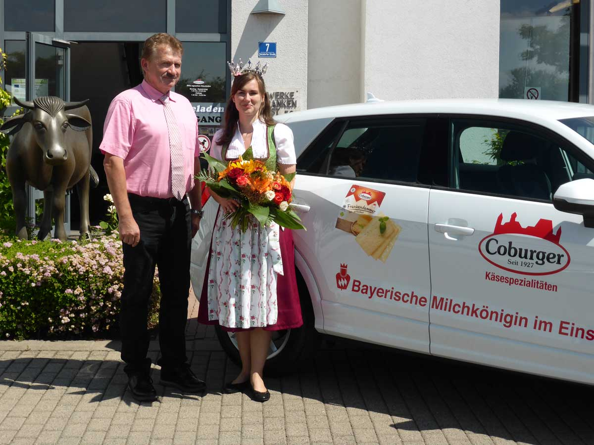 Im Mai wird Sonja Wagner aus Wonsees, Tochter eines unserer Milchlieferanten, für zwei Jahre zur Bayerischen Milchkönigin gekürt