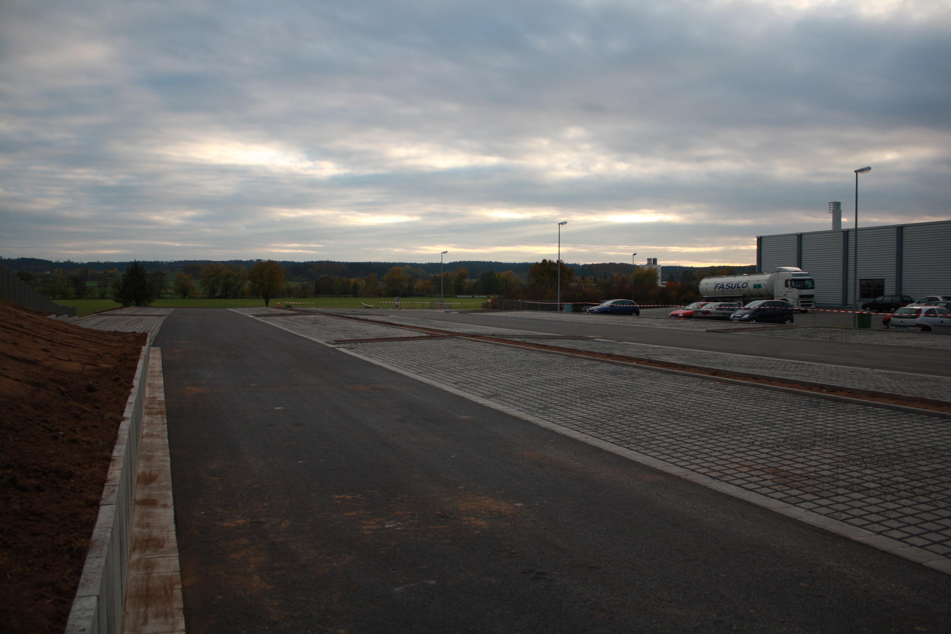 Errichtung eines Mitarbeiter-Parkplatzes
